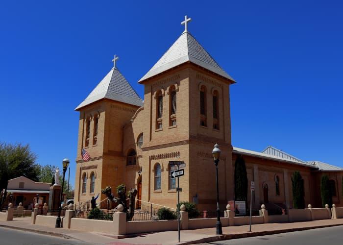 Las-Cruces Place