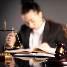 Lawyer  dating
